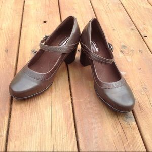 CLARKS BENDABLES BLOCK HEEL MARY JANE SHOES BROWN